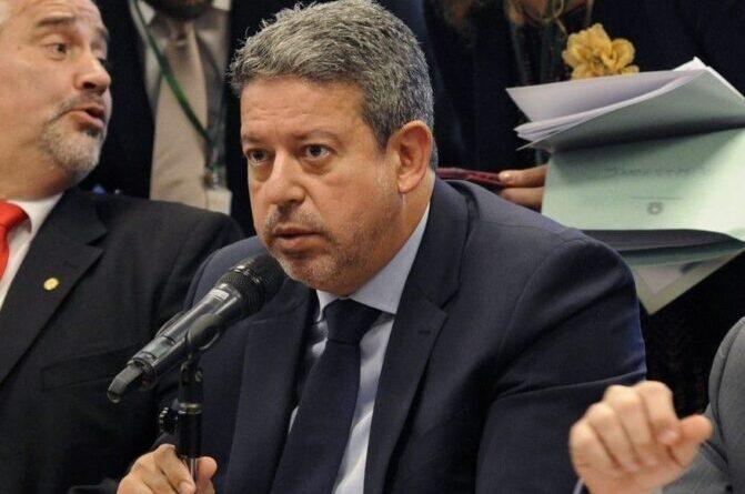 Após extinguir comissão, Lira diz que Reforma tributária deve ser fatiada em 3 ou 4 projetos